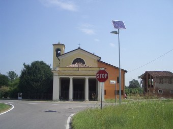 Lampioni stradali fotovoltaici