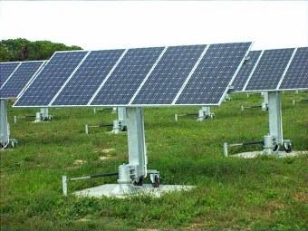 Manutenzione pannelli fotovoltaici foto ed immagini